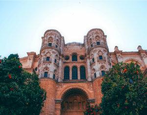 Palazzo reale con aranceto