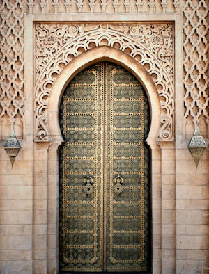 Sontuosa porta intarsiata